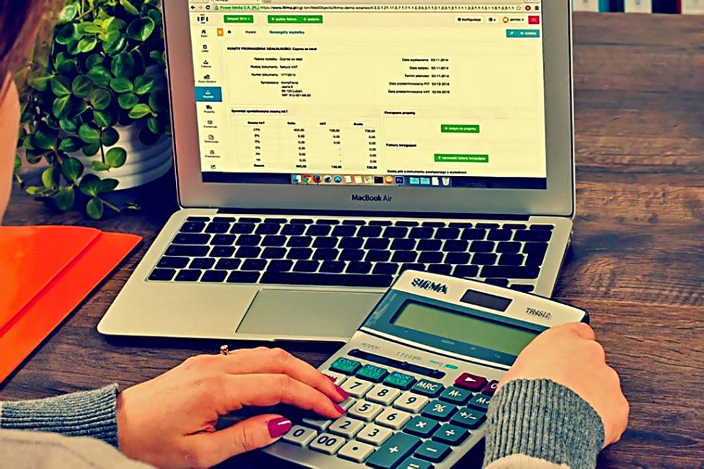 Как сэкономить деньги? 5 полезных привычек, которые помогут вам. экономия денег полезные советы покупки дисконтные карты дешевые товары