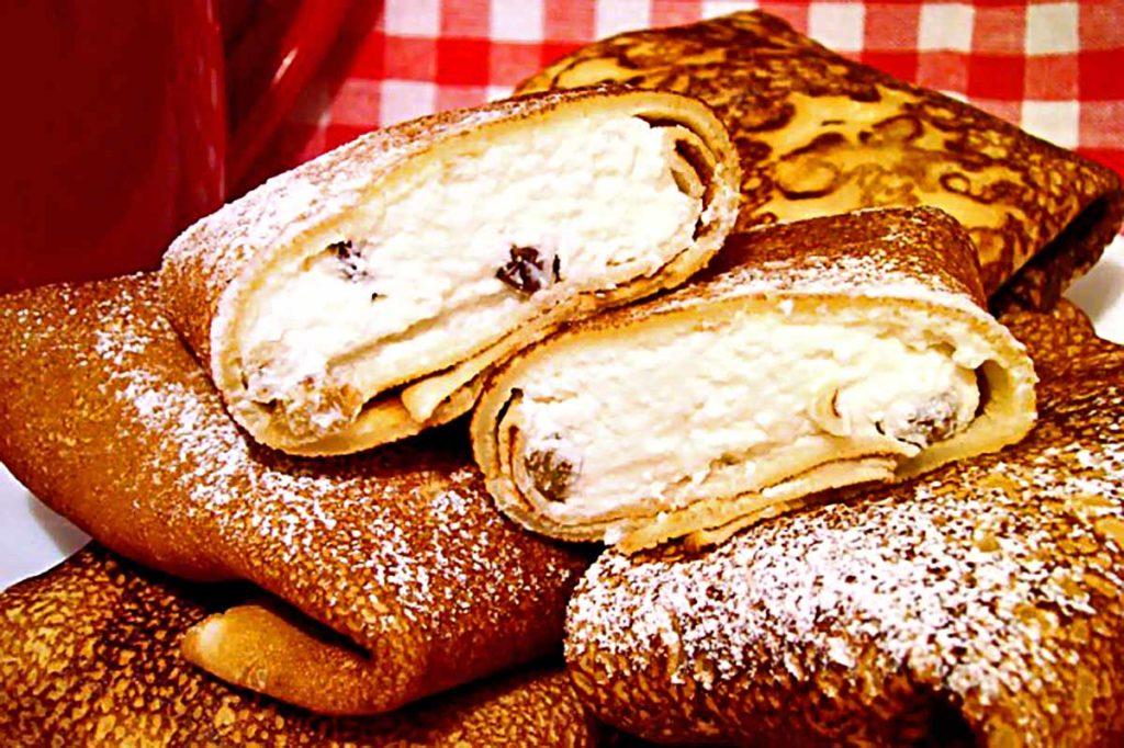 Блины с творогом и сухофруктами Рецепты  полезные советы десерты выпечка вкусняшки блюда из творога блины