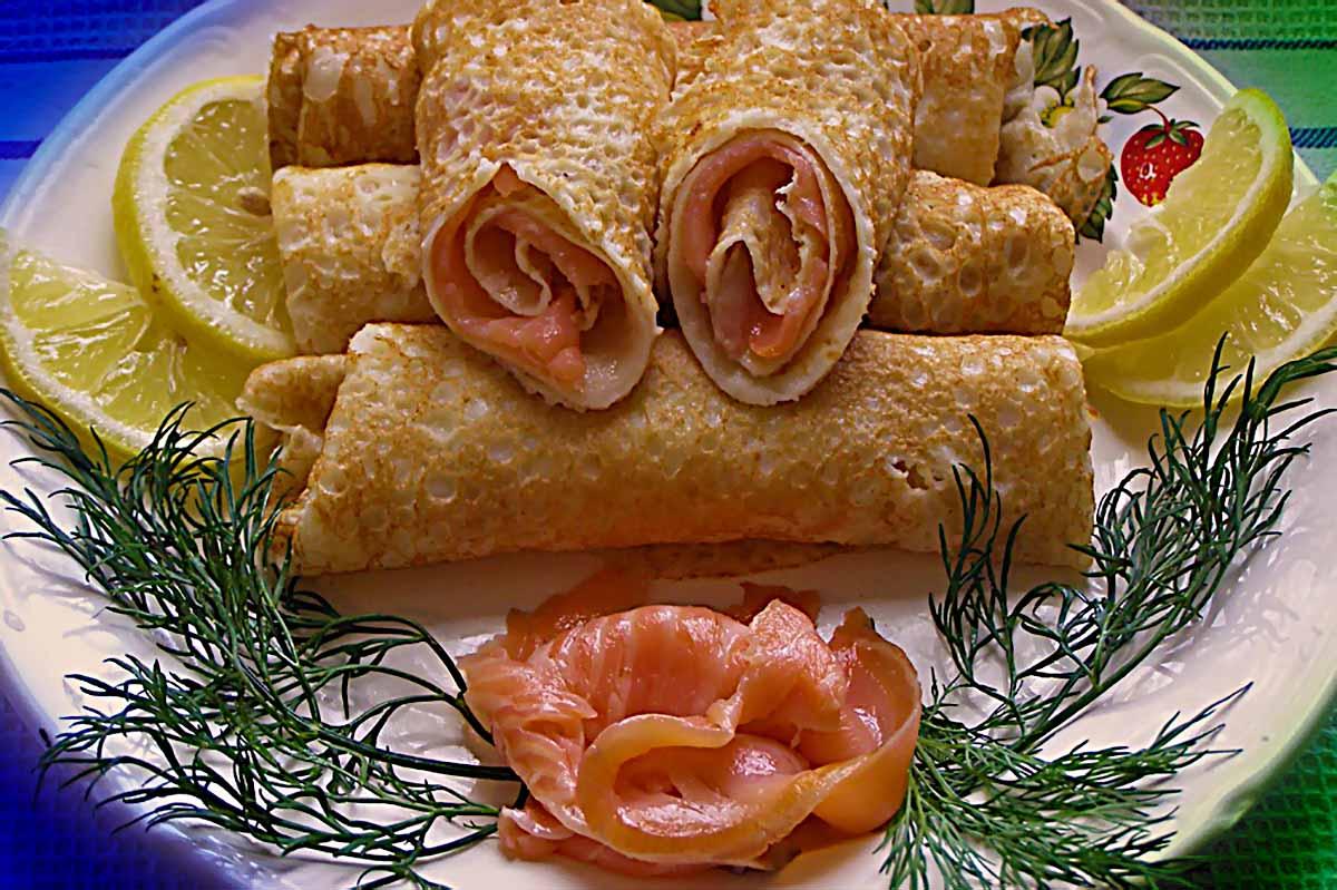 Блины с красной рыбой и сыром рыба праздник полезные советы выпечка блины