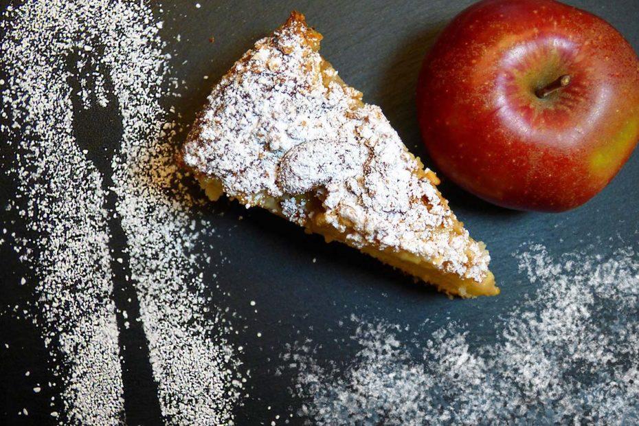 Вкусная шарлотка - рецепт яблочного пирога в духовке завтрак десерты выпечка вкусняшки