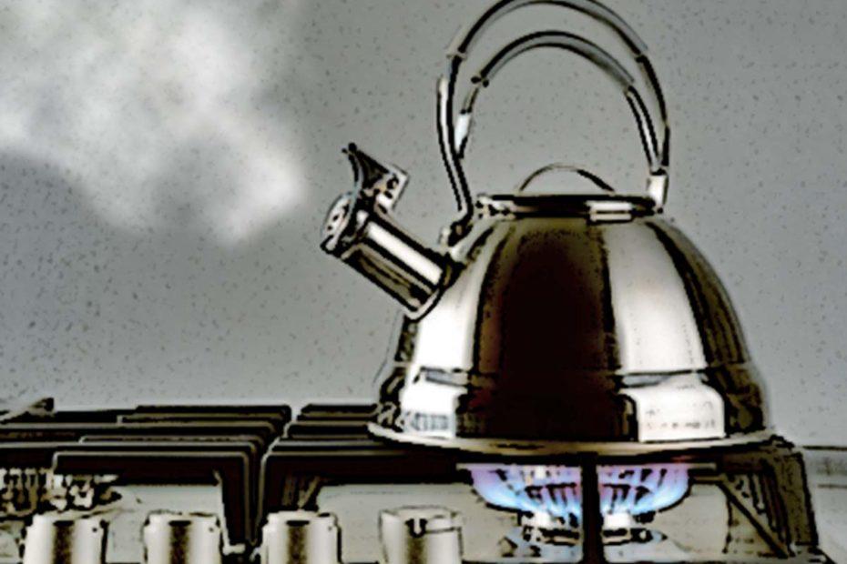 Как удалить накипь на дне чайника за 5 минут. Лайфхаки  полезные советы личный опыт домашний быт
