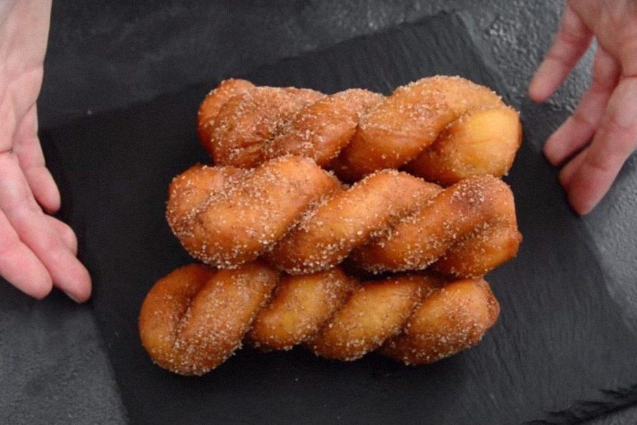 Новый рецепт пончиков закрученных – корейский рецепт Рецепты  завтрак выпечка вкусняшки