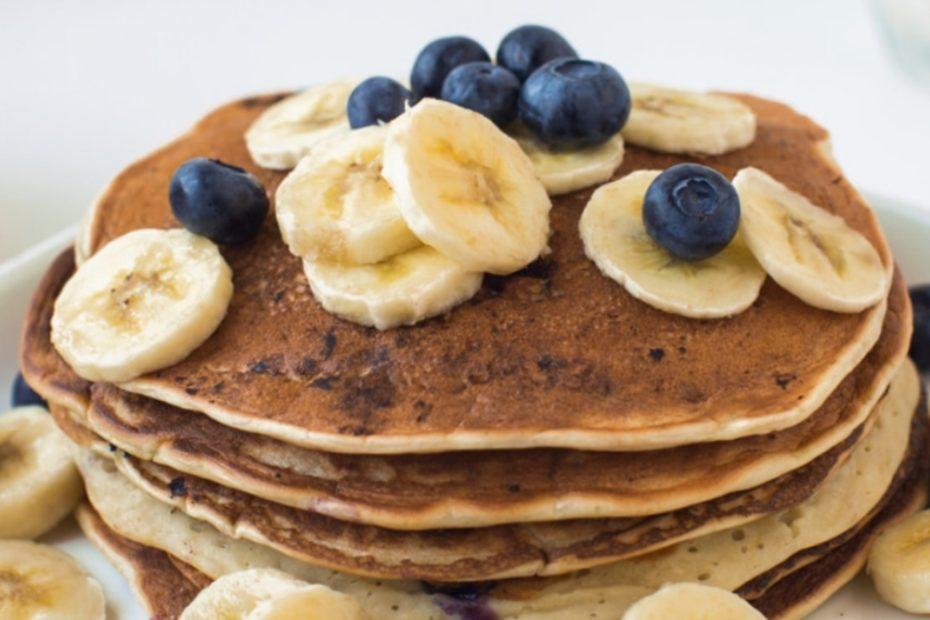 Овсяные блинчики с ягодами - вкусный и полезный завтрак правильное питание пп-пецепты пп полезные советы масленица вкусняшки блины