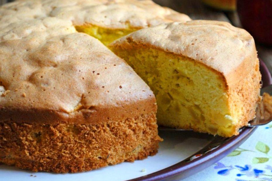 Лучший быстрый пирог с яблоками и грушами – осенний рецепт Рецепты  полезные советы пирог заливной пирог выпечка вкусняшки
