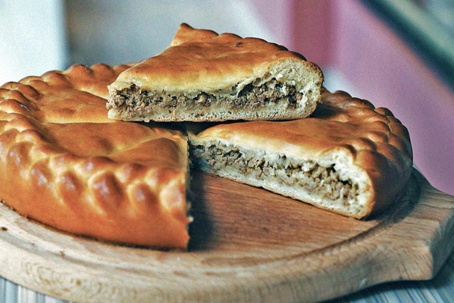 Простой пирог с мясом в духовке из дрожжевого теста рецепт Рецепты  ужин полезные советы пирог выпечка вкусняшки