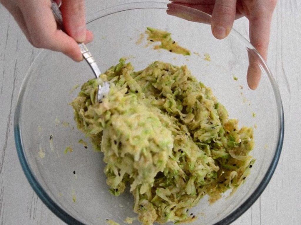 Вкусные оладьи из кабачков на сковороде – самый вкусный рецепт Рецепты  оладьи выпечка вкусняшки блины