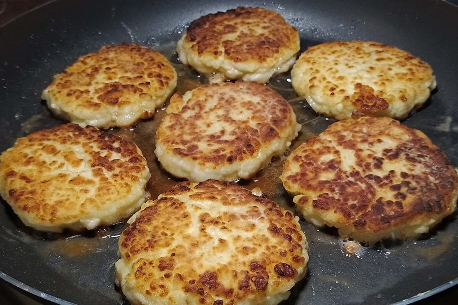 Вкусные сырники с манкой из творога– домашний рецепт правильное питание полезные советы завтрак выпечка вкусняшки блюда из творога